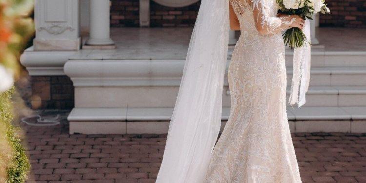Cum sa iti alegi cea mai buna partenera pentru vanatoarea de rochii de mireasa