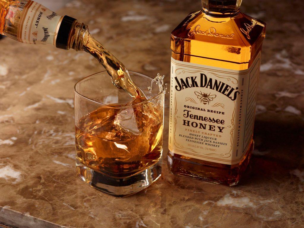 Totul despre Jack Daniel's: pret, sortimente si combinatii ideale